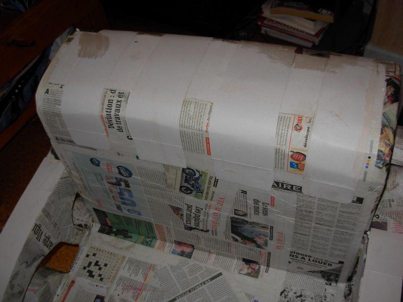 La lune est en carton fauteuil big boss suite - Meuble papier journal ...